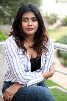 Indian Actress Hot Pics, Most Beautiful Indian Actress, Beautiful Actresses, Beautiful Girl In India, Beautiful Blonde Girl, Beautiful Women, Cute Beauty, Beauty Full Girl, Women's Beauty
