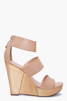 The perfect nude summer wedge