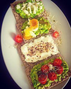 #crackers #avocado #tomatoes #eggs #cheese #yogourt #seeds Avocado Toast, Crackers, Tomatoes, Seeds, Cheese, Breakfast, Healthy, Food, Morning Coffee