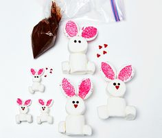 Make an adorable rabbit family in just three easy steps. #easter #recipes