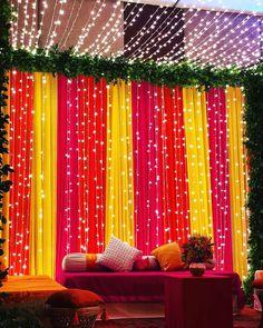 Desi Wedding Decor, Wedding Hall Decorations, Diy Wedding Backdrop, Marriage Decoration, Wedding Mandap, Backdrop Decorations, Wedding Ideas, Wedding Receptions, Backdrop Ideas