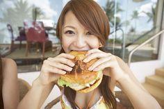 ダイエッターの憧れ「痩せの大食い」になれる5つの裏技を紹介します! 「食べてもすぐに燃焼&排泄」をキーワードに、役立つ食事・運動・生活習慣を解説します。