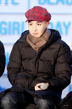 Las etiquetas más populares para esta imagen incluyen: bts, kpop, jhope, korea y bangtan boys