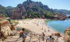 Strand Li Cossi an der Costa Paradiso auf Sardinien