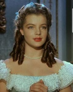 Romy Schneider, Princesa Sissi, Red Ball Gowns, Wedding Movies, Old Hollywood Stars, Hair Reference, Classy Women, Beautiful Actresses, Role Models