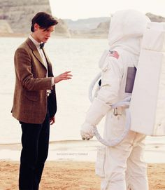 The Doctor & the Astronaut. DON'T LOOK AT IT DON'T TOUCH IT!!!!! FOR ONCE IN YOUR LIFE DOCTOR DON'T INVESTIGATE!!!! JUST RUN!!!!