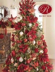 Attention RAZ fans, we carry it all year round! Check out our amazing Christmas trees decked in RAZ and other fabulous brands. @GraciousDesigns