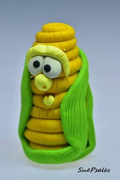 Thanksgiving Figurine, Polymer Clay, Corn on the cob, Food Character, Food Figurine, Yellow, Green, Funny Figurine, Thanksgiving Miniatures by SuePsales on Etsy #PolymerClay #Figurine #FunnyFigurine #ThanksgivingFigurine #ThanksgivingMiniatures #FunnyFoodFigurines #FoodCharacters #DollsandMiniatures