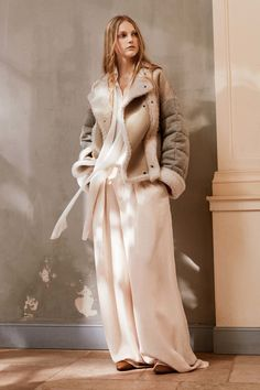 Chloé Pre-Fall 2016 Collection Photos - Vogue **COAT ONLY**