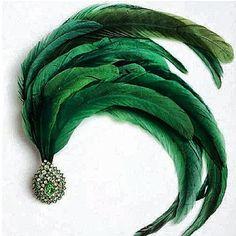 Emerald & feather pin by JAR Go Green, Green Colors, Jar Jewelry, Jewellery, Motifs Perler, World Of Color, Green Fashion, Emerald Green, Emerald City
