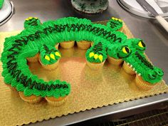 Alligator Cupcake Cake-Ethan lilkes the colour and shape of this crocodile/alligator Alligator Birthday Parties, Alligator Party, Dinosaur Birthday, 4th Birthday, Birthday Cakes, Pull Apart Cupcake Cake, Pull Apart Cake, Cupcake Cake Designs, Cupcake Cakes