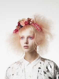 Photographer:Joichi Teshigahara  Stylist:Tsuyoshi Takahashi(Decoration inc.)  花椿ビューティー 掲載作品