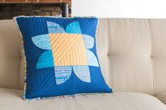 Star Flower Pillow Tutorial from Play Crafts.  I can use my Retro Flower templates!
