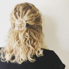 A must-do: rounding out your style with our Oversized Circle Clip! #NoMoreHairDonts