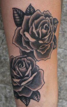 Resultado de imagem para tattoo rosa preta