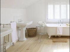 The Paper Mulberry: The Perfect White Bathroom Big Bathrooms, Upstairs Bathrooms, Bad Inspiration, Bathroom Inspiration, Bathroom Ideas, Paper Mulberry, White Cottage, White Rooms, White Furniture