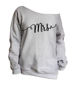 Mrs Off The Shoulder Oversize Sloucy Sweatshirt - S 8034