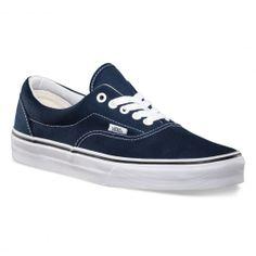 VANS Era navy blue chaussures mixtes 69,00 € #vans #vansotw #vansoffthewall #offthewall #vansera #vansauthentic #sneakers #sneaker #shoe #shoes #chaussure #chaussures #skate #skateboard #skateboarding #streetshop #skateshop @PLAY Skateshop