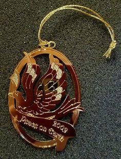 Danbury Mint 2009 Peace On Earth Gold Christmas Ornament