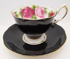 ROYAL ALBERT Bone China Tea Cup & Saucer Set ROSES England