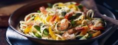 Shrimp and Asparagus Linguine - replace chicken broth w vegetable broth Seafood Dishes, Pasta Dishes, Seafood Recipes, Chicken Recipes, Dinner Recipes, Cooking Recipes, Healthy Recipes, Dinner Ideas, Linguine Recipes