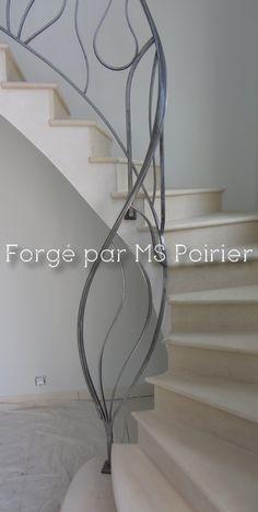 Départ de rampe d'escalier, sur voute sarrasine