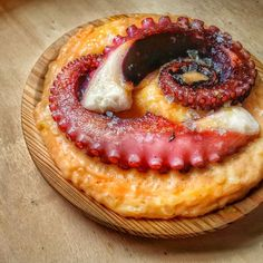 My Favorite Food, Favorite Recipes, Octopus Recipes, Spanish Cuisine, Fish And Chips, Fish Dishes, Canapes, Seafood Recipes, Sushi