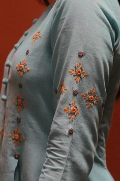 Discover recipes, home ideas, style inspiration and other ideas to try. Embroidery On Kurtis, Hand Embroidery Dress, Kurti Embroidery Design, Embroidery Neck Designs, Hand Embroidery Videos, Embroidery On Clothes, Embroidered Clothes, Embroidery Fashion, Modern Embroidery