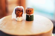 Upcycled Wine Corks to Decorate Your Wedding | OneWed