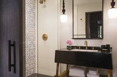 Pin by sharon christovich on wallpaper pinterest room for Boutique hotels chicago loop