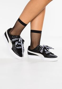 2e60e0057d83 BASKET HEART DE - Matalavartiset tennarit - black white. Puma ...