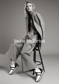WINTER COLLECTION 2018/19  WITH STYLE  Una collezione manifesto, la nuova FW collection Laura Bellariva dedicata alla creatività di ogni giorno, per donne che sanno mixare nella vita quotidiana calzature di stili diversi. Libere ed eccentriche, raffinate grunge, hanno un'attitudine disinvolta nella capacità di mescolare. Un mix & match perfetto da cui nasce lo stile Laura Bellariva. E Design, Matcha, Grunge, Campaign, Collection, Shoes, Style, Swag, Zapatos