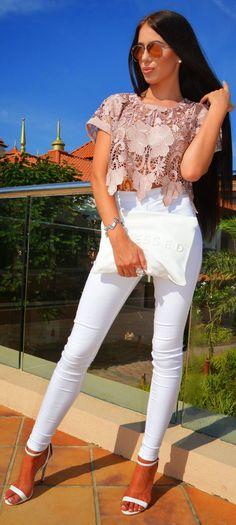 Blush Lace Top Streetstyle by Laura Badura Fashion