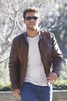 Scott Eastwood looking good in leather. ;)