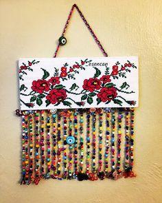 Etamin, keçe, çocuklar ve hayata dair komik bir blog Felt Crafts, Diy And Crafts, Crazy Home, Hand Work Design, Hand Work Embroidery, Seashell Crafts, Make Happy, Diy Hanging, Fabric Jewelry
