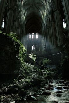 A famous spot in France, St Etienne abandoned church. I love abandoned buildings that nature has taken over. Abandoned Buildings, Abandoned Castles, Abandoned Mansions, Old Buildings, Abandoned Places In London, Abandoned Malls, Abandoned Warehouse, Abandoned Train, Places Around The World