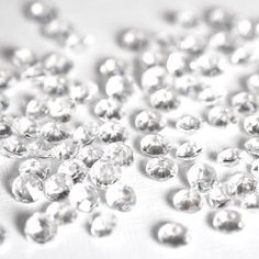 5000 CLEAR WEDDING TABLE DIAMONDS CONFETTI SCATTER CRYSTALS - HIGH QUALITY - FOR 6 TO 8 TABLES by Wedding Bliss Wedding Bliss http://www.amazon.com/dp/B004FBYAEC/ref=cm_sw_r_pi_dp_heFQub1CBFWGQ