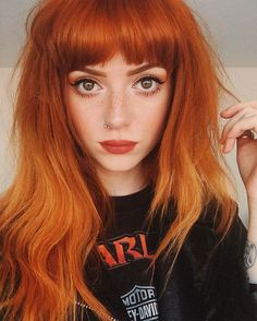 Are you looking for ginger hair color styles? See our collection full of ginger hair color styles and get inspired! Dye My Hair, New Hair, Hair Tie, Hairstyles With Bangs, Pretty Hairstyles, Latest Hairstyles, Black Hairstyles, Copper Hair, Copper Red
