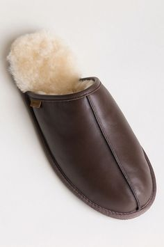 Men's Classic Shearling-Lined Scuff Slippers Leather Slippers, Leather Shoes, Shoes Heels Boots, Heeled Boots, Hotel Toiletries, Fur Accessories, Man Style, Slip On, Passion