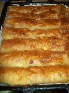 U mom Loncu: Gibanica sa sirom i kulenom Bosnian Recipes, Croatian Recipes, Kiflice Recipe, Pizza Pastry, Bread Recipes, Cooking Recipes, Bread Dough Recipe, Bread And Pastries, Middle Eastern Recipes