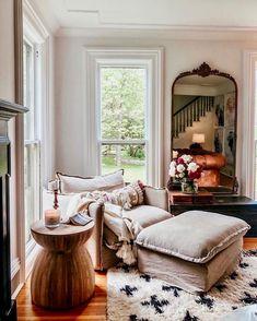 Home Living Room, Living Room Furniture, Living Spaces, Diy Furniture, Kitchen Furniture, Living Room Interior, Antique Furniture, Vintage Modern Living Room, Cottage Style Living Room