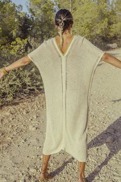 AGORA Hand woven KAFTAN in Golden crochet · Pure linen and Viscose - Mèrit Orlando · Handcrafted in Ibiza Author Slowfashion Maxi Kaftan, Ibiza, Slow Fashion, Hand Knitting, Hand Weaving, Blog, Pure Products, Crochet, Long Sleeve