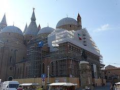 Pádua, Itália. #travel #Europe #Europa #viagem #ferias #Veneto #SantoAntonioDePadua #catolico #catolicismo #igreja #religiao #turismo #tourism #catholic #religion #turista #tourist