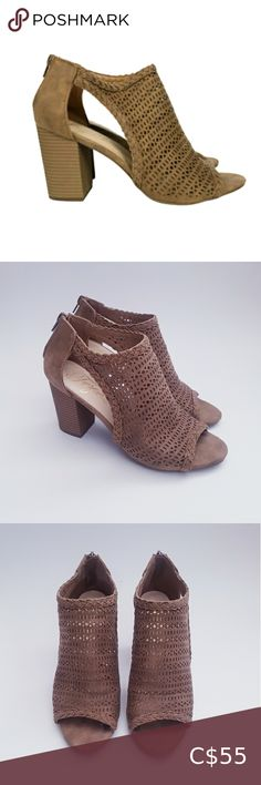 Cut Out Design, Plus Fashion, Fashion Tips, Fashion Trends, Chunky Heels, Open Toe, Heeled Mules, Zip Ups