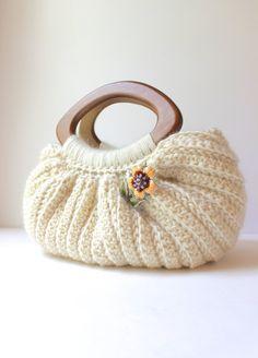 Crochet Peruvian Wool Fat Bottom Handbag Purse in 100% Peruvian Wool by The Lillie Pad