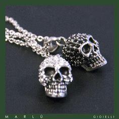 Catene e teschi in acciaio con zirconi bianchi e neri. #DarkCollection   Steel chains and skulls with black and white zircons. #DarkCollection