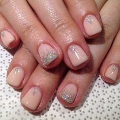 Bridesmaids nails!! #handpainted by @leezy.amado #gelnail #nailart #Vanityprojects #Vanityprojectsbridal