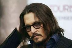 Hollywood Superstar Johnny Depp's Biography And Latest Info 6