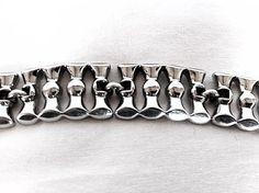 Vintage Monet Bracelet / Signed Monet / Chunky Bracelet / 1950s Link Bracelet Silver tone