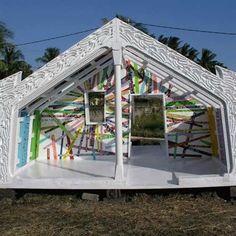 The Radiare Whare (Meeting House) - Rangi Kipa Amazing Architecture, Architecture Design, Ridge Pole, Native Canadian, Auto Paint, Maori Designs, New Zealand Art, Maori Art, Moca